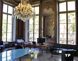 Hôtel de Bourvallais - salon d'angle