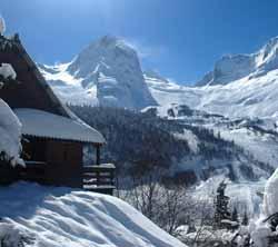 montagne enneigée à Gourette (doc. CRTA / JJ Brochard)