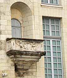 Palais des archevêques - balcon de l'Annonciation