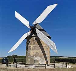 Moulin à vent Dautin (Association « A Tire d'Aile »)