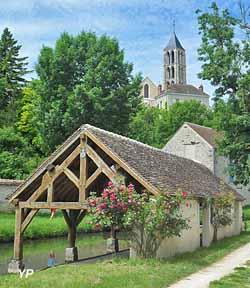 Château-Landon - lavoir communal