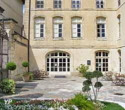 Campredon-Centre d'Art (Hôtel Donadéï de Campredon) (Ville de L'Isle-sur-la-Sorgue)