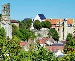 Château-Landon - tour Saint Thugal et abbaye Saint Séverin