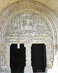 Abbatiale Saint-Pierre - portail