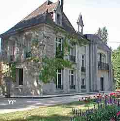 Abbaye Sainte-Marie-de-Cercanceaux (Yalta Production)
