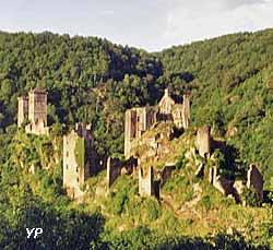 Tours de Merle (doc. Office de Tourisme du Pays de Beaulieu)