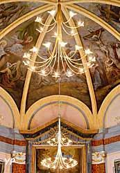 Luminaires de l'église Saint-Hippolyte de Thonon-les-Bains (Haute-Savoie)
