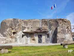 Fort de la Salmagne - Bloc 2 et entrée du fort (Ligne Maginot) (Association de la forteresse du secteur fortifié de Maubeuge)
