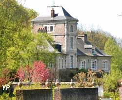 Château du Vert Bois - conciergerie (XVIIe s.) (Yalta Production)