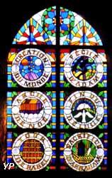 Vitraux de la création du monde (Association des vitraux de l'abbé Deligny)