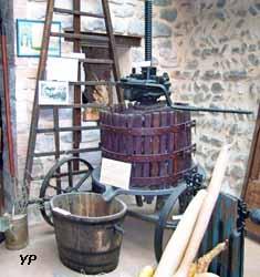 Musee des outils agraires - pressoir