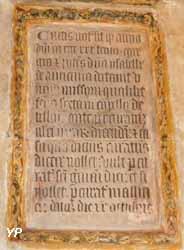 Inscription latine d'une fondation de messe demandée par Isabelle d'Harcourt (1433)