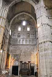 Cathédrale Saint-Lazare - transept
