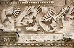 Arc de triomphe - dépouilles navales