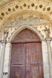 Tympan du portail ouest : La Lapidation de saint Étienne