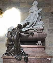 Tombeau de monseigneur Rivet, évêque de Dijon de 1838 à 1884