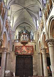 Grand orgue et tapisserie Terribilis