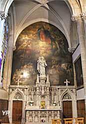 Chapelle de la Vierge, retable en pierre sculptée de style gothique flamboyant