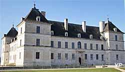 Château d'Ancy-le-Franc (Yalta Production)
