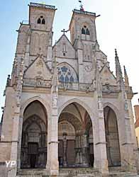 Collégiale Notre-Dame (Yalta Production)