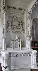 Autel des morts (néogothique flamboyant, XIXe s.)