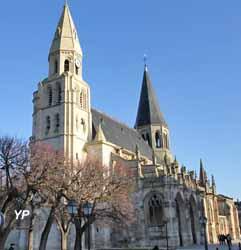 collégiale Notre-Dame de Poissy (Yalta Production)