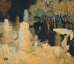 Grotte du Grand Roc - la victoire de Samothrace