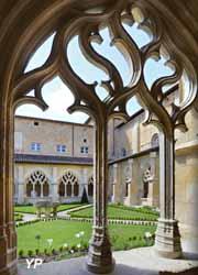 Cloître de Cadouin - remplages gothiques