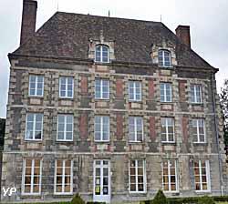 Hôtel de Montulé (doc. Yalta Production)