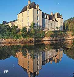 Château de Sauveboeuf au bord de la Petite Vézère (doc. Château de Sauveboeuf)