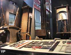 Les métiers - pupitre de commande de machine d'extraction