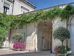 Hôtel Poupet - mur-terrasse de clôture (Direction départementale des territoires et de la mer de la Charente-Maritime)