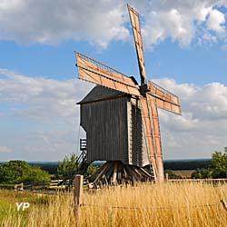 Moulin de Dosches (Association des Moulins à Vent Champenois)