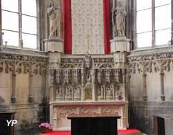 Eglise Saint-Jacques - autel de l'abside