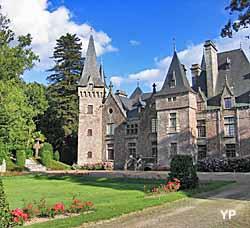 Château du Boiscornillé - façade Nord et parterre (doc. P de Malartic)