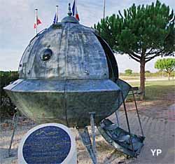 L'Ovniport et sa soucoupe volante (doc. Office de Tourisme Arès)