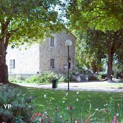 Parc municipal d 39 albret et son ch teau casteljaloux - Office tourisme casteljaloux ...