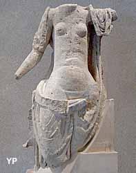 Musée Municipal d'Archéologie et de Peinture - statue de la déesse Damona (Ville de Bourbonne les Bains)