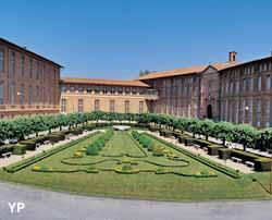 Hôtel Dieu Saint-Jacques - salles patrimoniales, chapelle et jardin (Hôpitaux de Toulouse)