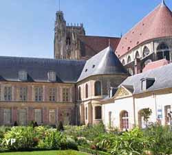 Jardin de l'orangerie de l'Archevêché (Office de Tourisme de Sens et du Sénonais)