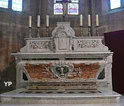 Église Saint-Pierre - maître autel