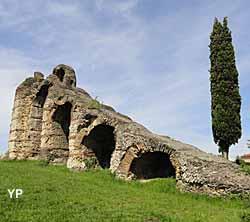 Aqueduc romain du Gier - le rampant du siphon de l'Yzeron