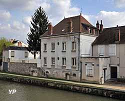 Raffinerie de sucre (doc. Association pour la Sauvegarde des Remparts du château de Montargis)