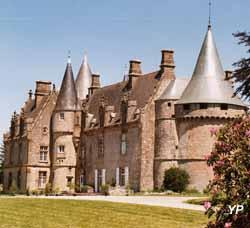 Château de Bonnefontaine - façade Ouest