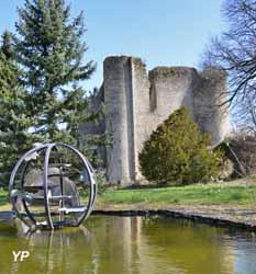 Donjon de Jouy (doc. Donjon de Jouy - Parc de Sculptures Contemporaines)