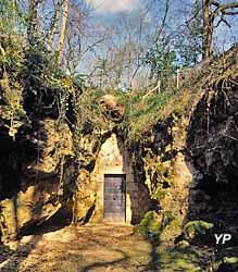 Grotte de Pair-non-Pair - ëntrée actuelle de la grotte