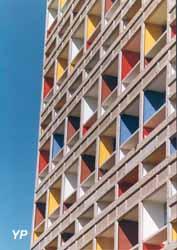 Unité d'habitation de le Corbusier dite la Maison Radieuse (M. Monnier)