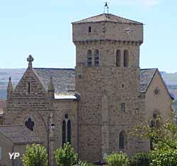 Eglise et tour hospitalière (doc. Mairie de Martrin)
