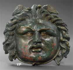 Ornementation en bronze de la Méduse incrustée d'argent (MACM)