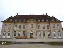 château (clinique) de Régennes (doc. Yalta Production)